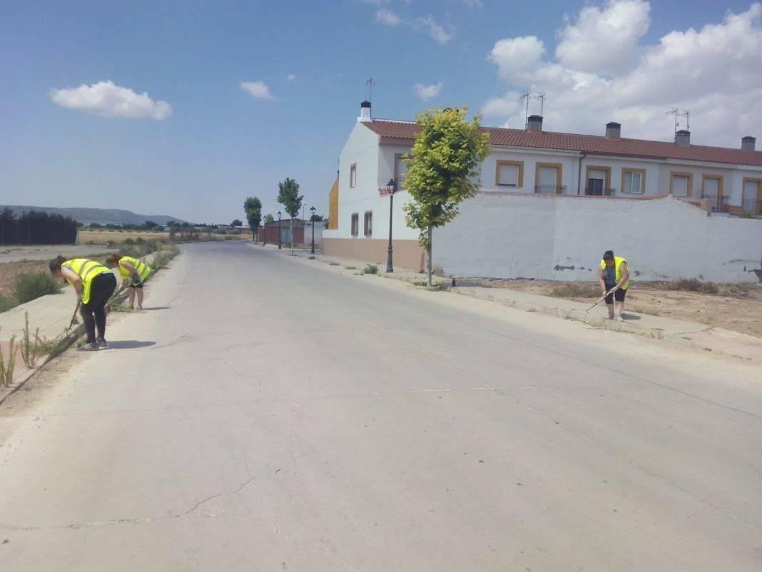 El Ayuntamiento intensifica la limpieza de calles y zonas verdes 10