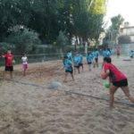 Comienzo de la tercera edición de la Escuela de Balonmano Playa 1