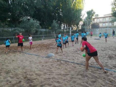 Escuela de Balonmano Playa 2018 herencia 1 457x343 - Comienzo de la tercera edición de la Escuela de Balonmano Playa