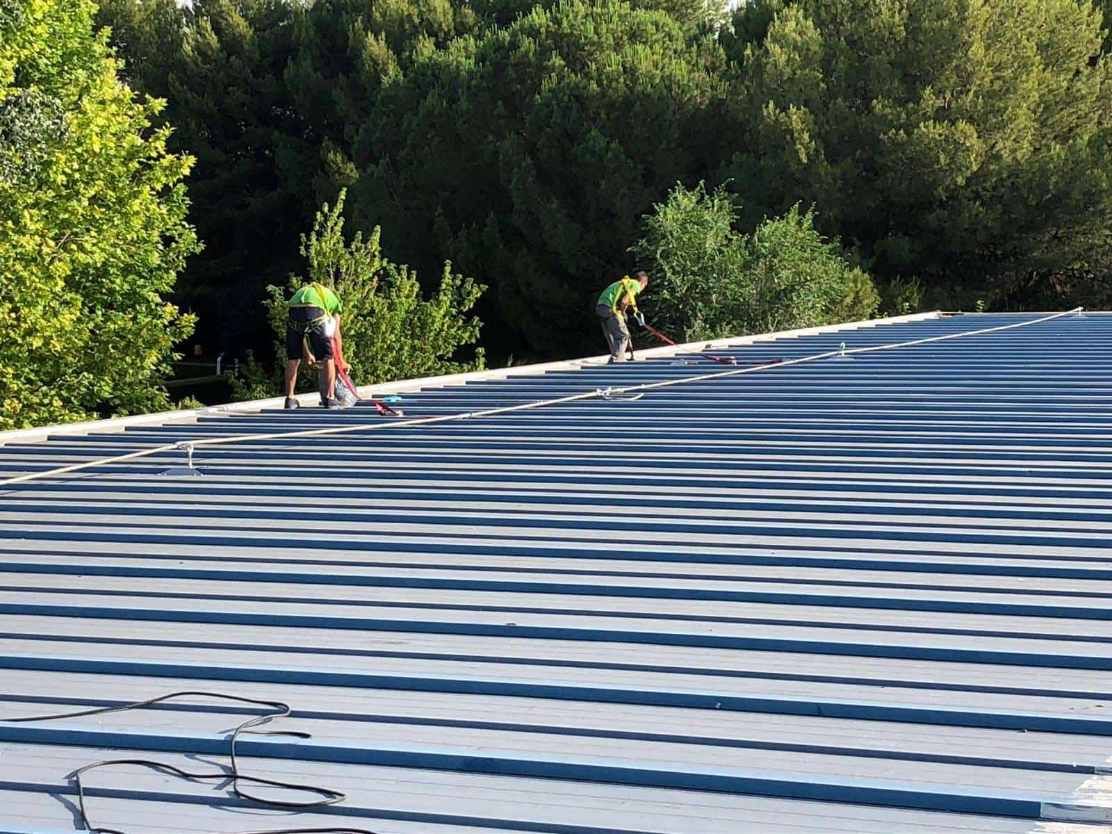 cubierta pabellon municipal herencia 1 - Impermeabilización de la cubierta del Pabellón Municipal de Herencia