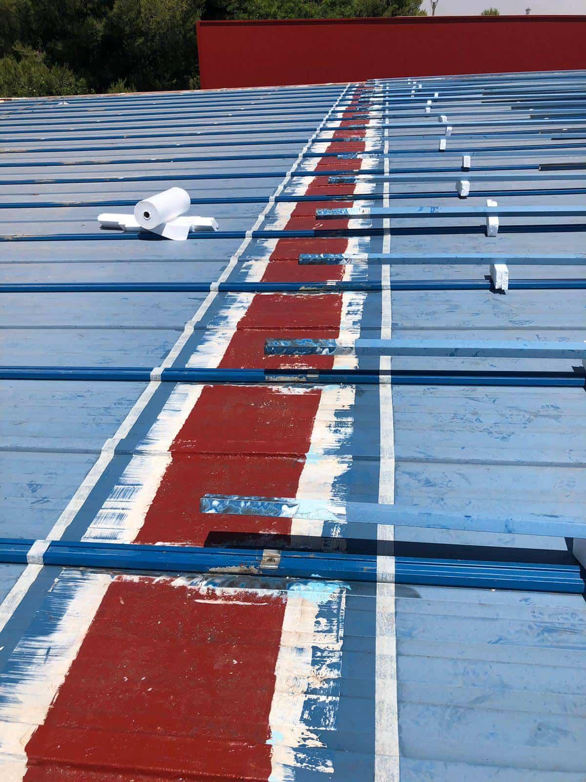 cubierta pabellon municipal herencia 2 - Impermeabilización de la cubierta del Pabellón Municipal de Herencia