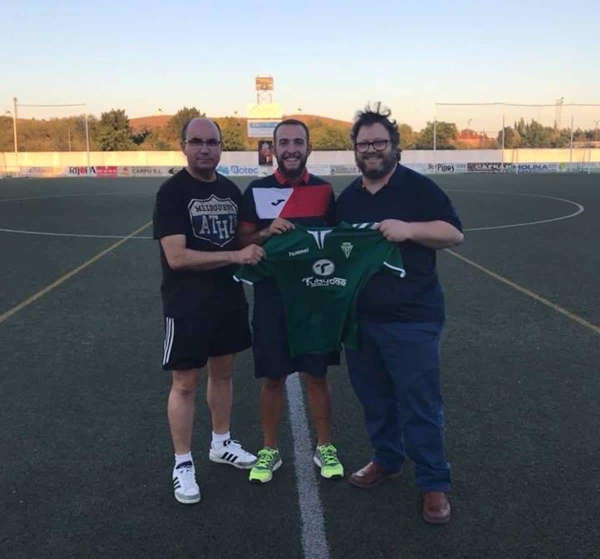 diego toribio renueva herencia futbol - Diego Toribio otro fichaje que renueva por el Herencia C.F.