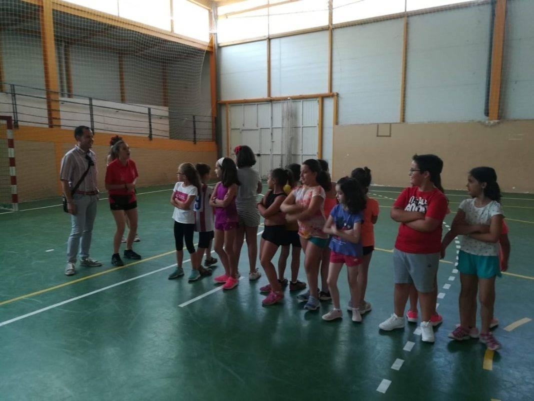 escuela de verano 2018 herencia 1068x801 - Los más pequeños de Herencia comienzan las actividades de la Escuela de Verano