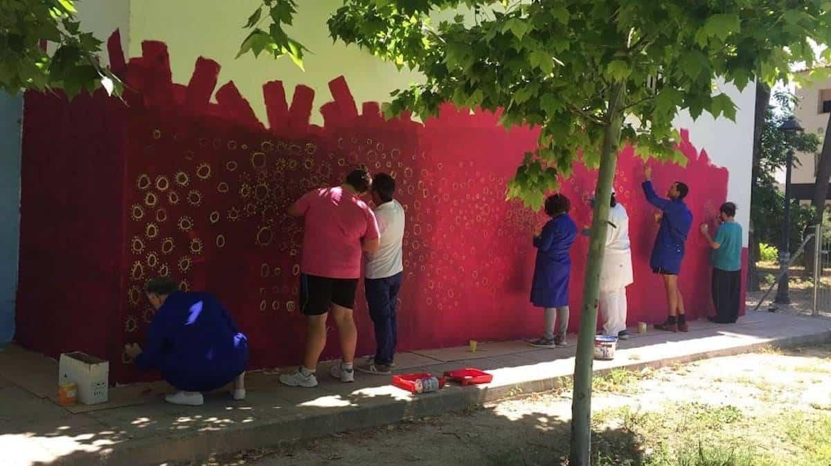 mural teleclub herencia 1 - El Teleclub se llena de color gracias al arte inclusivo del Centro Picazuelo
