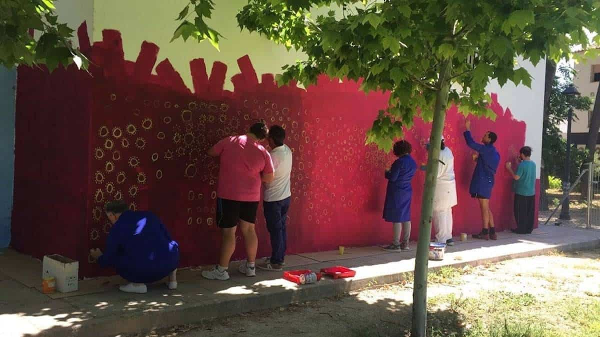 El Teleclub se llena de color gracias al arte inclusivo del Centro Picazuelo 3
