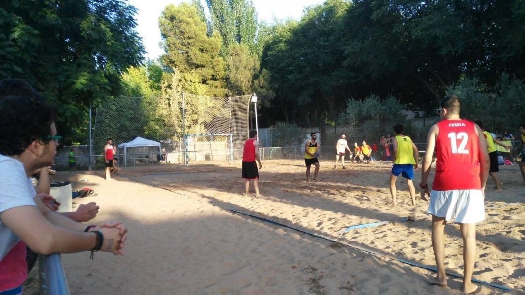 balonmano playa herencia 2 1068x601 - Avanza el Torneo de Balonmano Playa en Herencia