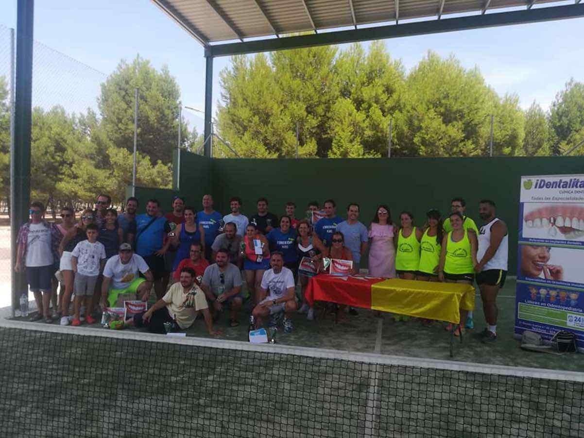 Participantes en el III Torneo de Pádel de Verano