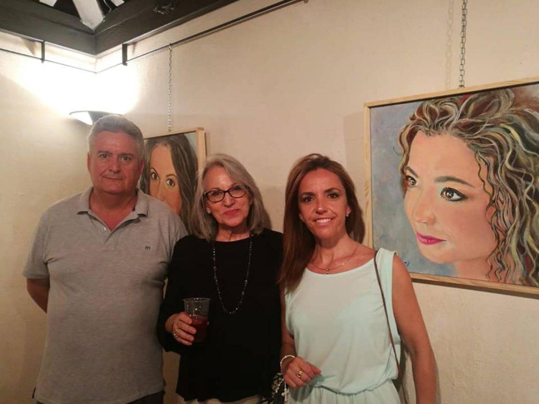 """exposicion dos formas de pintar herencia fotos cristina 1 1068x801 - Inaugurada la exposición """"Dos formas de pintar"""" en Herencia"""