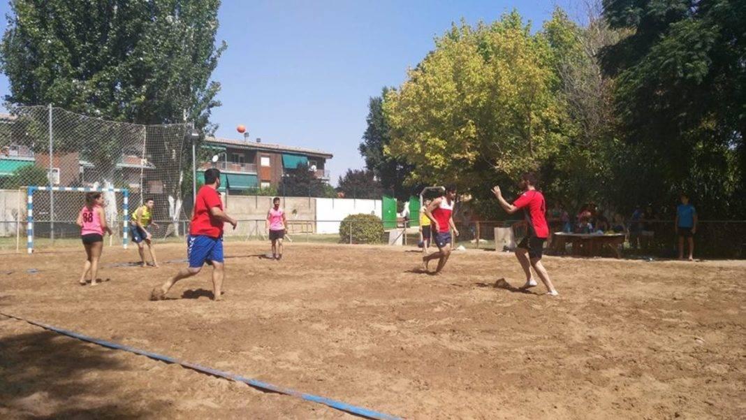 Finaliza el IV Torneo de Balonmano Playa en Herencia 40