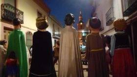 gigantes de carnaval de herencia en verano