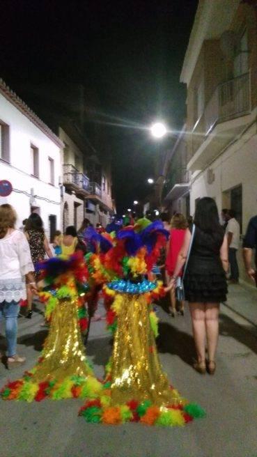 jinetas en carnaval de verano herencia