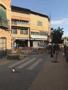 obras avenida y plaza cervantes en herencia fotos dcarrero herencia net 1 225x300 - La nueva Plaza Cervantes de Herencia pronto finalizará sus obras