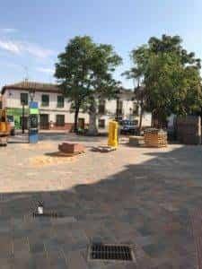 obras avenida y plaza cervantes en herencia fotos dcarrero herencia net 12 225x300 - La nueva Plaza Cervantes de Herencia pronto finalizará sus obras