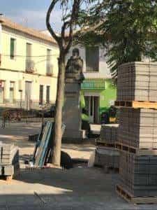 obras avenida y plaza cervantes en herencia fotos dcarrero herencia net 14 225x300 - La nueva Plaza Cervantes de Herencia pronto finalizará sus obras