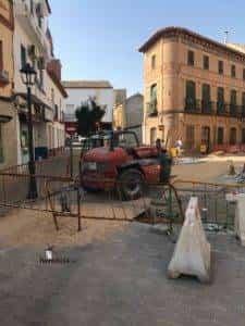 obras avenida y plaza cervantes en herencia fotos dcarrero herencia net 21 225x300 - La nueva Plaza Cervantes de Herencia pronto finalizará sus obras