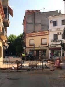obras avenida y plaza cervantes en herencia fotos dcarrero herencia net 6 225x300 - La nueva Plaza Cervantes de Herencia pronto finalizará sus obras