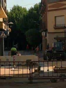 obras avenida y plaza cervantes en herencia fotos dcarrero herencia net 9 225x300 - La nueva Plaza Cervantes de Herencia pronto finalizará sus obras