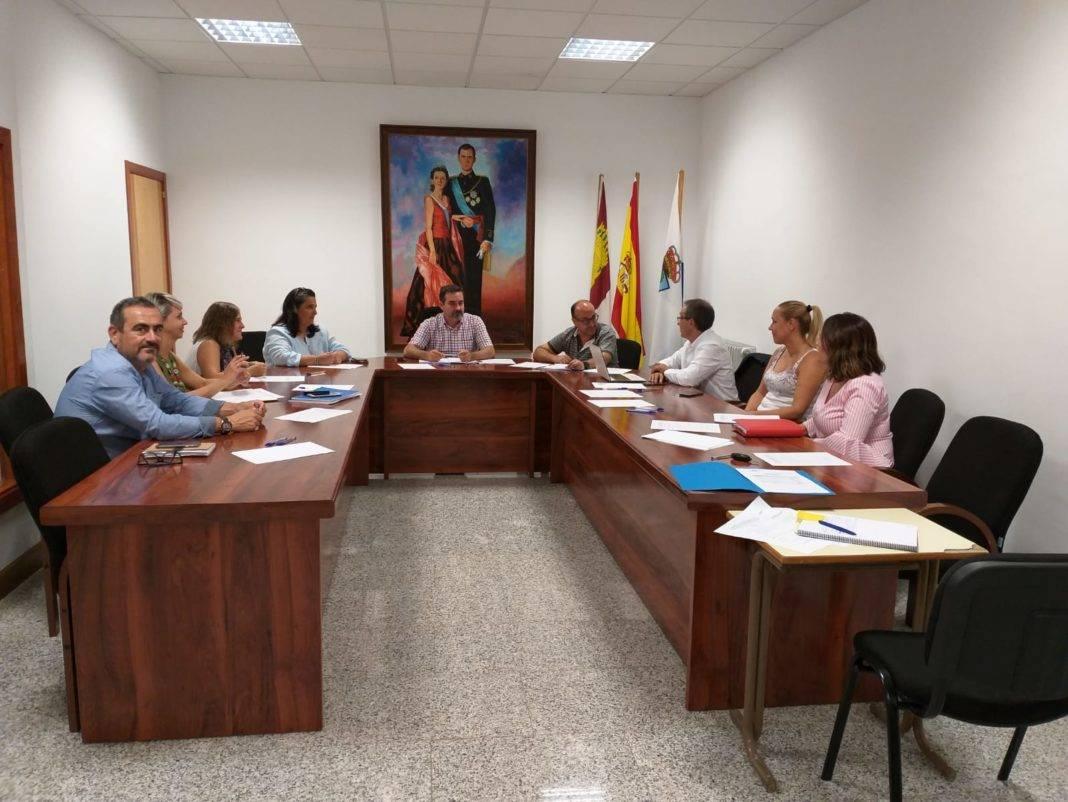 JuntaDirectivaSeptiembre 1068x802 - Concienciar y sensibilizar  contra la violencia de género nuevo proyecto de Mancha Norte