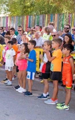 """carrera popular 2018 herencia corredores 24 263x420 - Más de 500 corredores en la 42 Carrera Popular """"Villa de Herencia"""""""