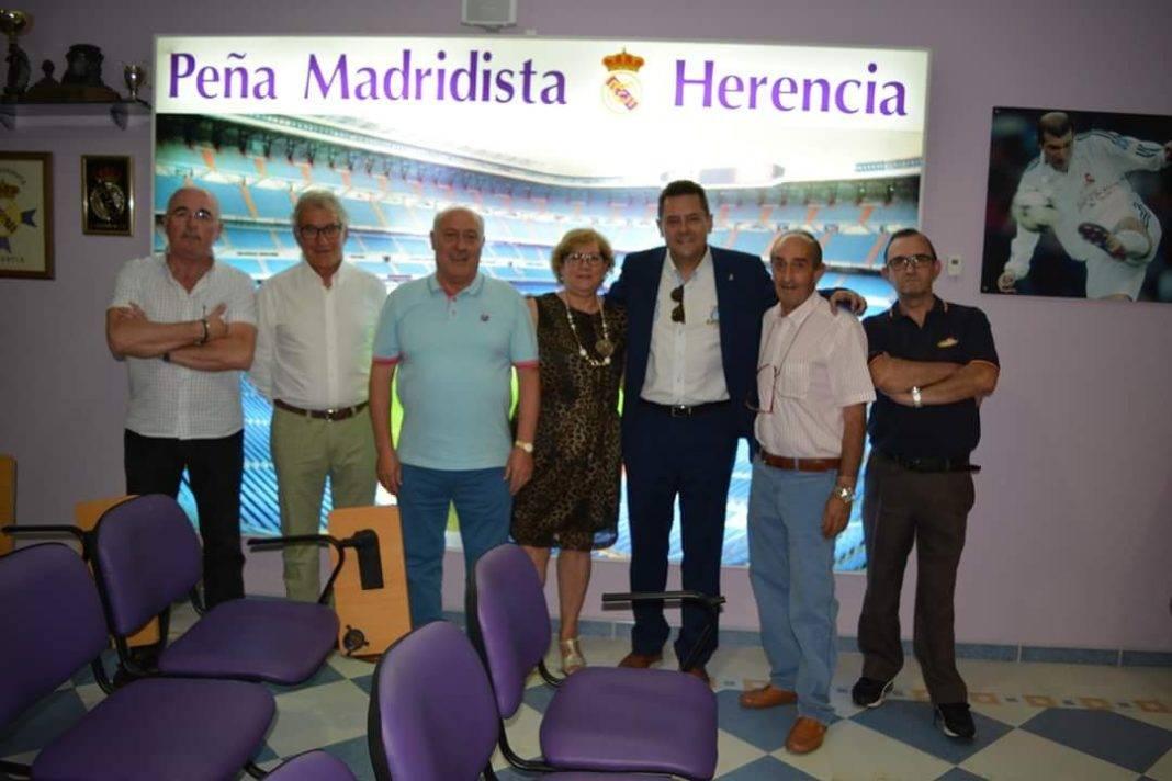 charla tomas roncero madridista herencia 1 1068x712 - Tomas Roncero ofreció una charla en la Peña Madridista de Herencia
