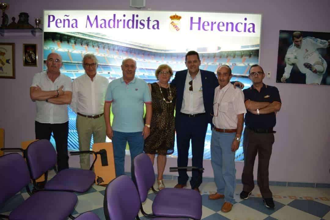 Tomas Roncero ofreció una charla en la Peña Madridista de Herencia 1
