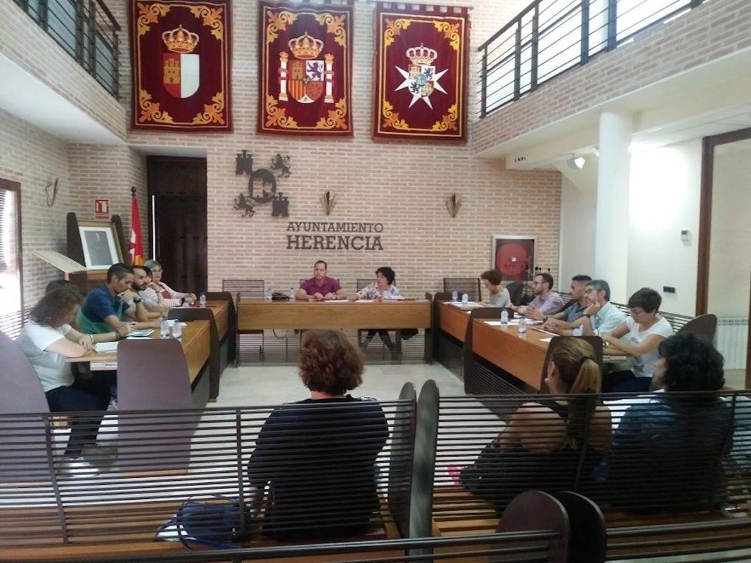 consejo escolar local municipal herencia 1068x801 - Amplia participación en el primer Consejo Escolar Municipal del curso 2018/2019