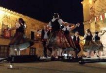 Veteranos de Coros y Danzas en la Feria de Herencia