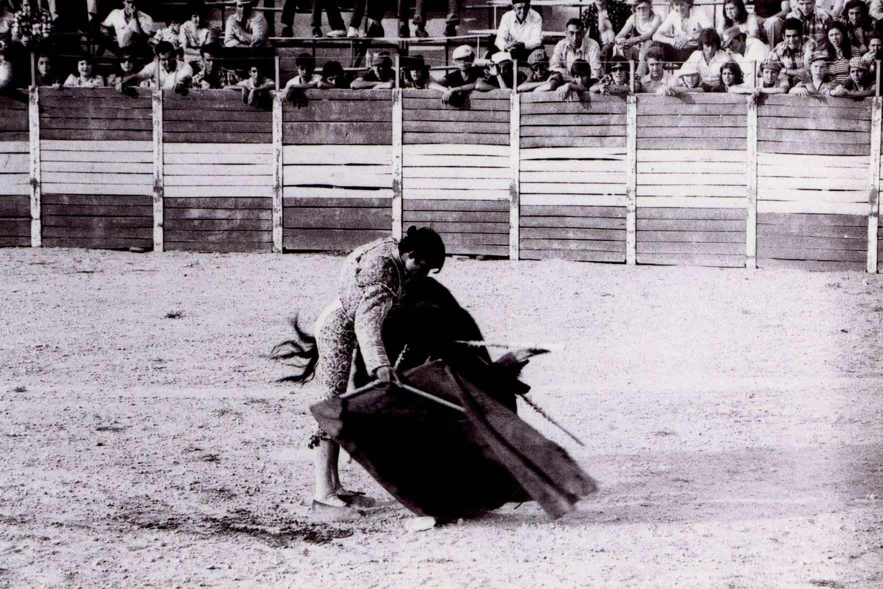 corrida de toros feria 1976 herencia 1 - Fotografías antiguas de Carnaval y Feria de Herencia de 1976