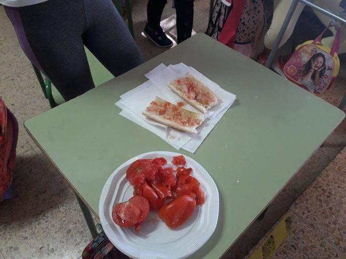 desayuno saludable ceip carrasco alcalde de herencia 687x515 - Desayuno saludable en el CEIP Carrasco Alcalde
