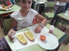 desayuno saludable ceip carrasco alcalde de herencia2 226x170 - Desayuno saludable en el CEIP Carrasco Alcalde