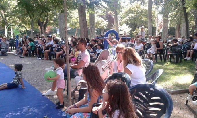 """magicos de remate en feria herencia 1 687x412 - Los más pequeños disfrutaron de """"Mágicos de Remate"""" en el Parque Municipal"""
