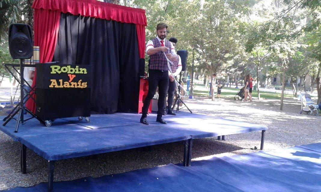 """Los más pequeños disfrutaron de """"Mágicos de Remate"""" en el Parque Municipal 4"""