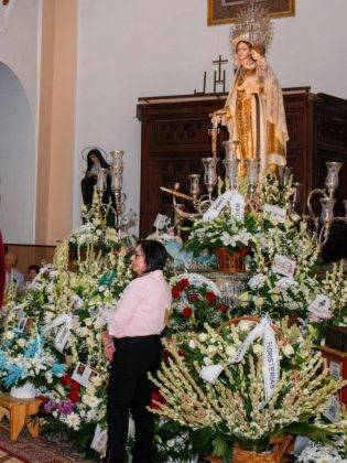 ofrenda floral a la Virgen de la Merced herencia 59 315x420 - Galería de fotos de la ofrenda floral a la Virgen de la Merced