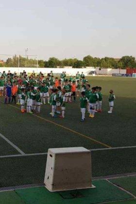 Presentación de las plantillas del primer equipo y del juvenil del C.D. Herencia C.F. 13