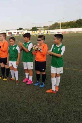 Presentación de las plantillas del primer equipo y del juvenil del C.D. Herencia C.F. 15