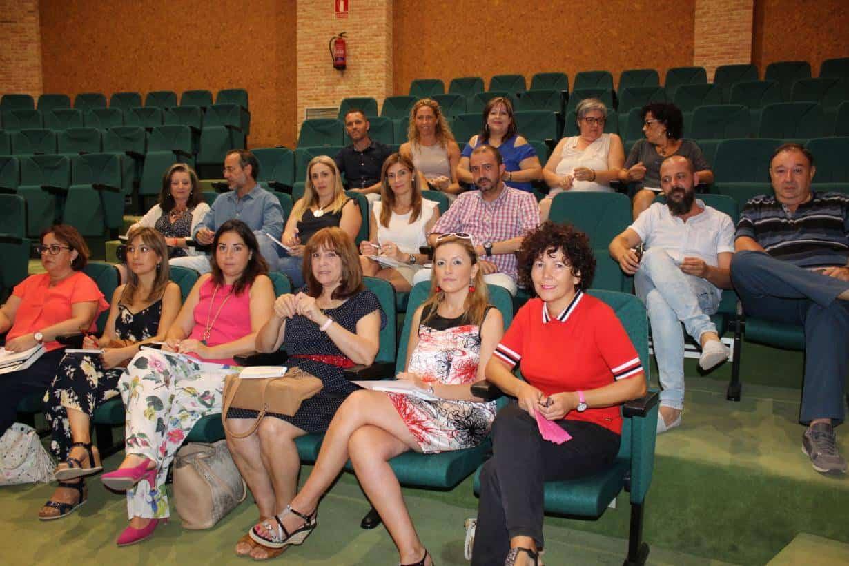 reunion instituto de la mujer clm - Herencia presente en la presentación de novedades y mejoras en los Centros de la Mujer