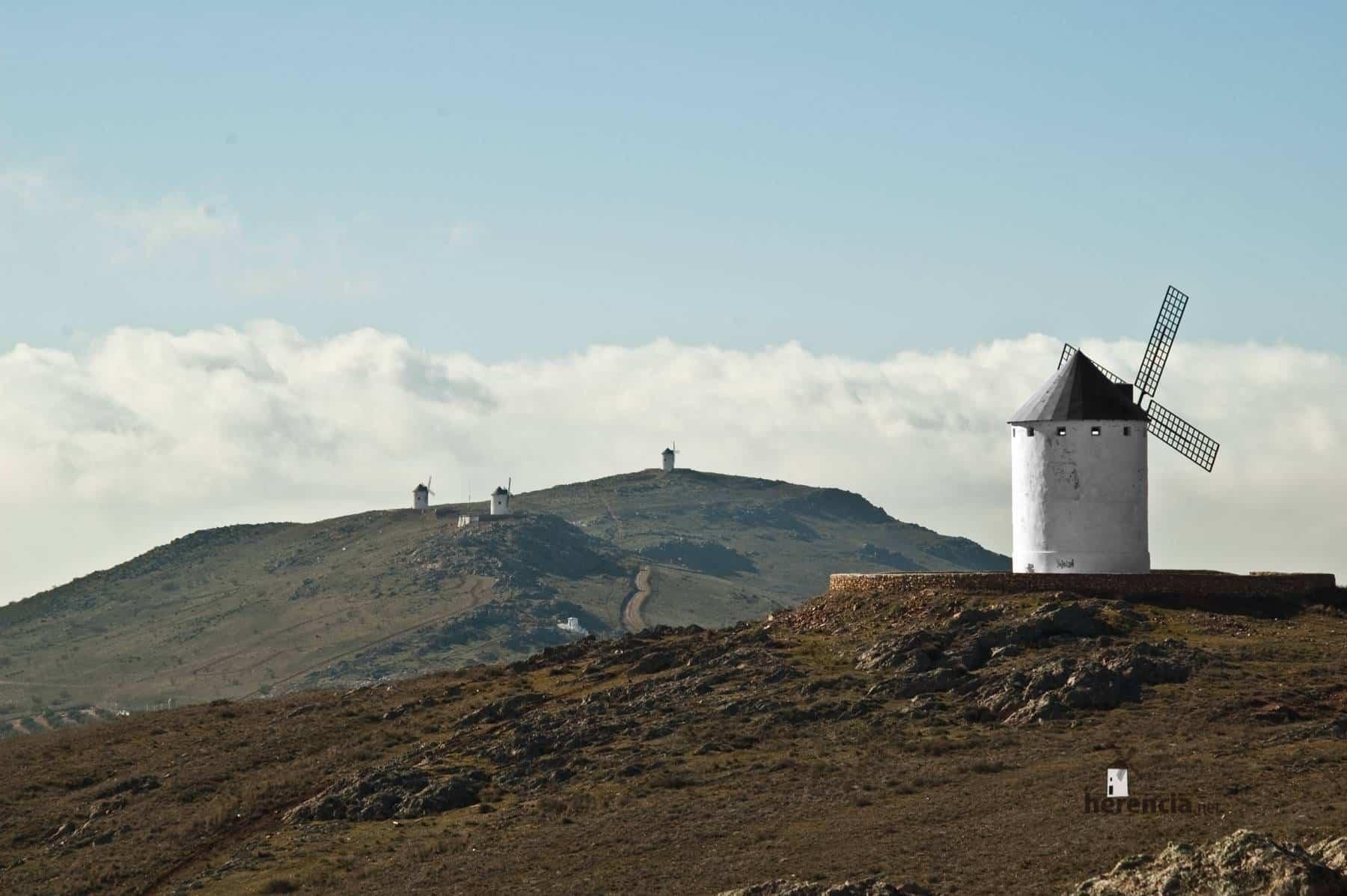 molinos de Viento de Herencia - Los Molinos de viento de Herencia volverán a iluminarse años después