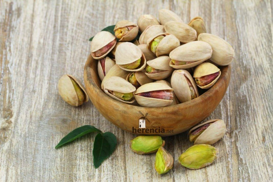 El herenciano Emilio Alises habló de pistachos en Cadena SER 1
