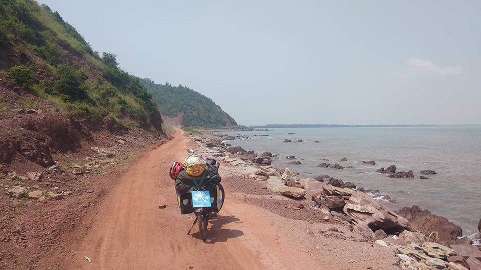 Perlé llegado a Hanoi, capital vietnamita. Etapas 436 a 445 72