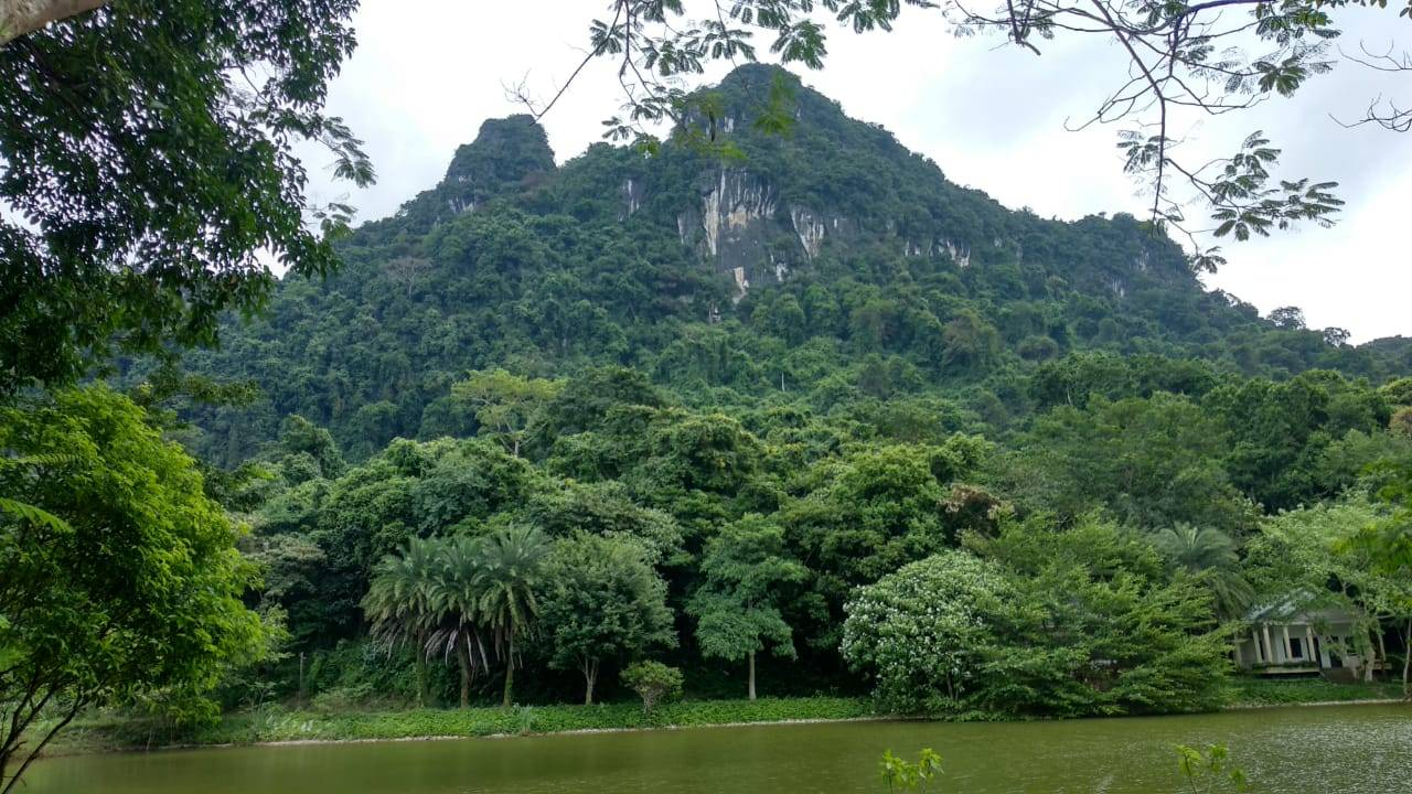 Perlé llegado a Hanoi, capital vietnamita. Etapas 436 a 445 67