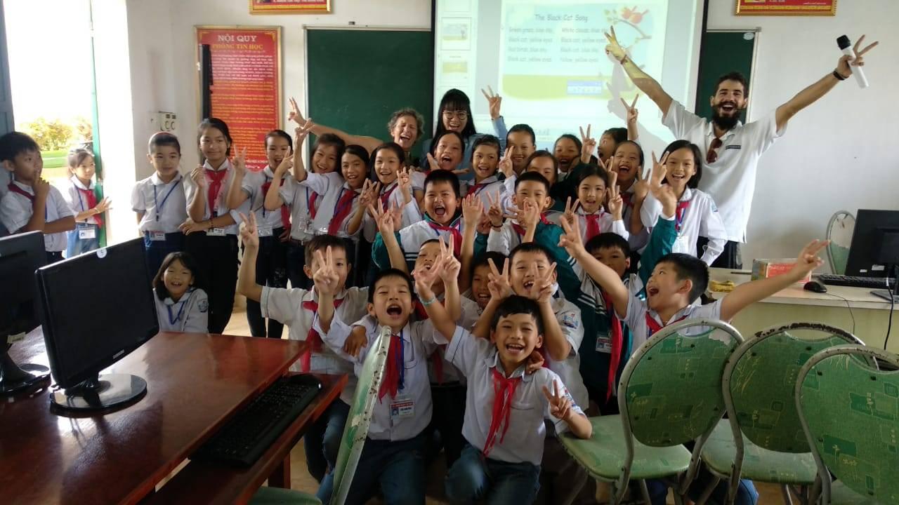 Perlé llegado a Hanoi, capital vietnamita. Etapas 436 a 445 77