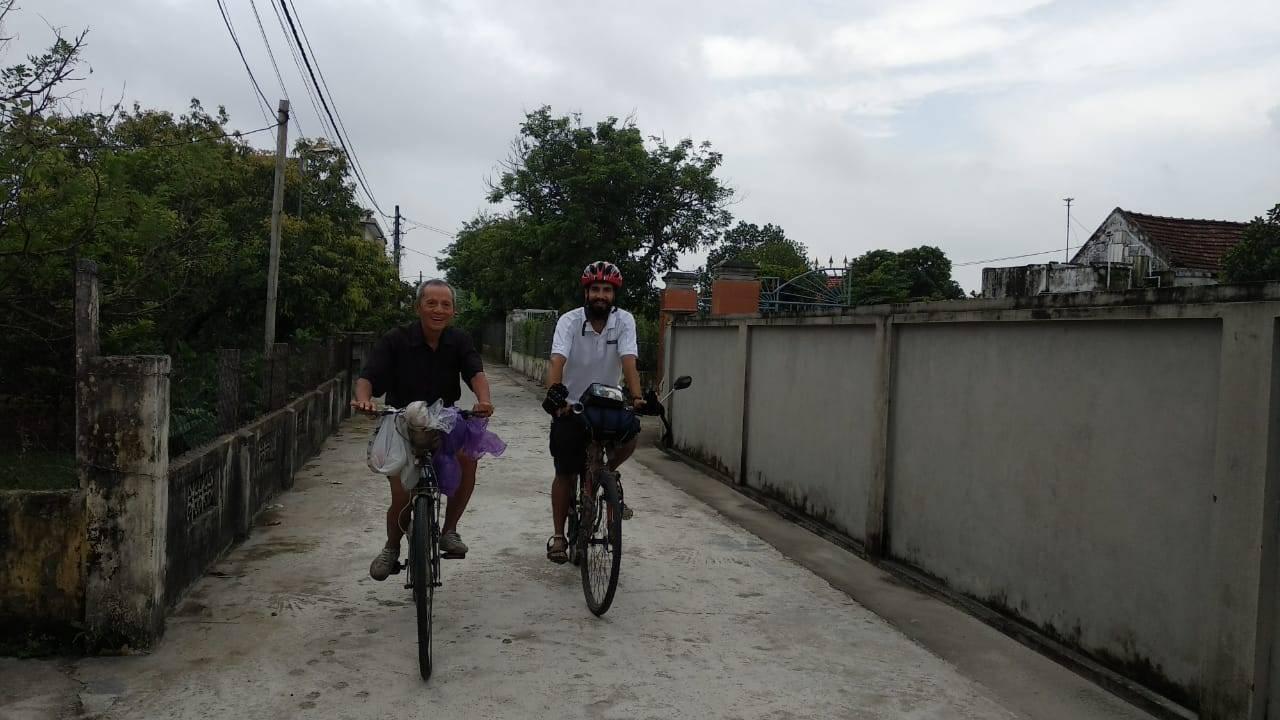 Perlé llegado a Hanoi, capital vietnamita. Etapas 436 a 445 79