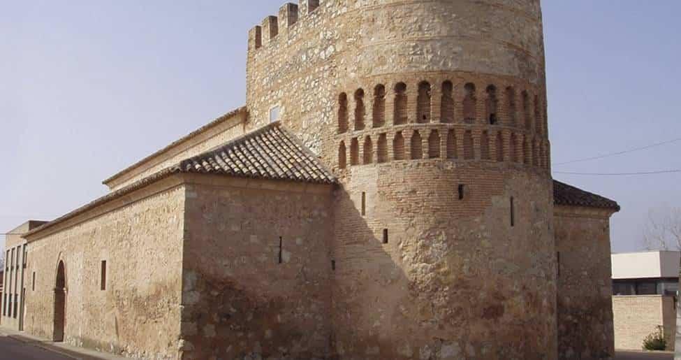 iglesia fortificada nuestra senora de las angustias - Concierto de Miguel y Mariavi en Arenas de San Juan
