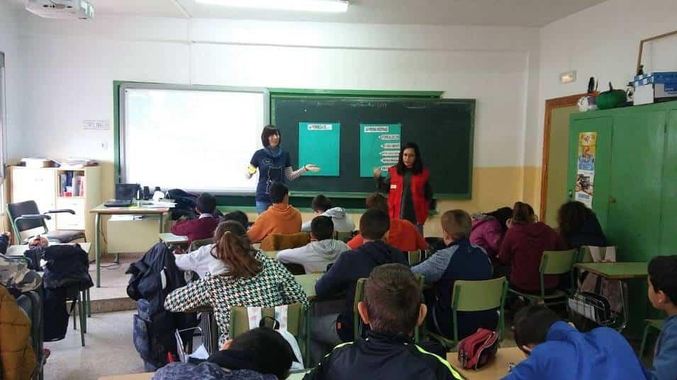 talleres pobreza 4 1 - Talleres sobre pobreza y desigualdad en los Centros Educativos