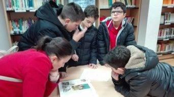 Alumnos del seminario menor mercedario en la biblioteca3