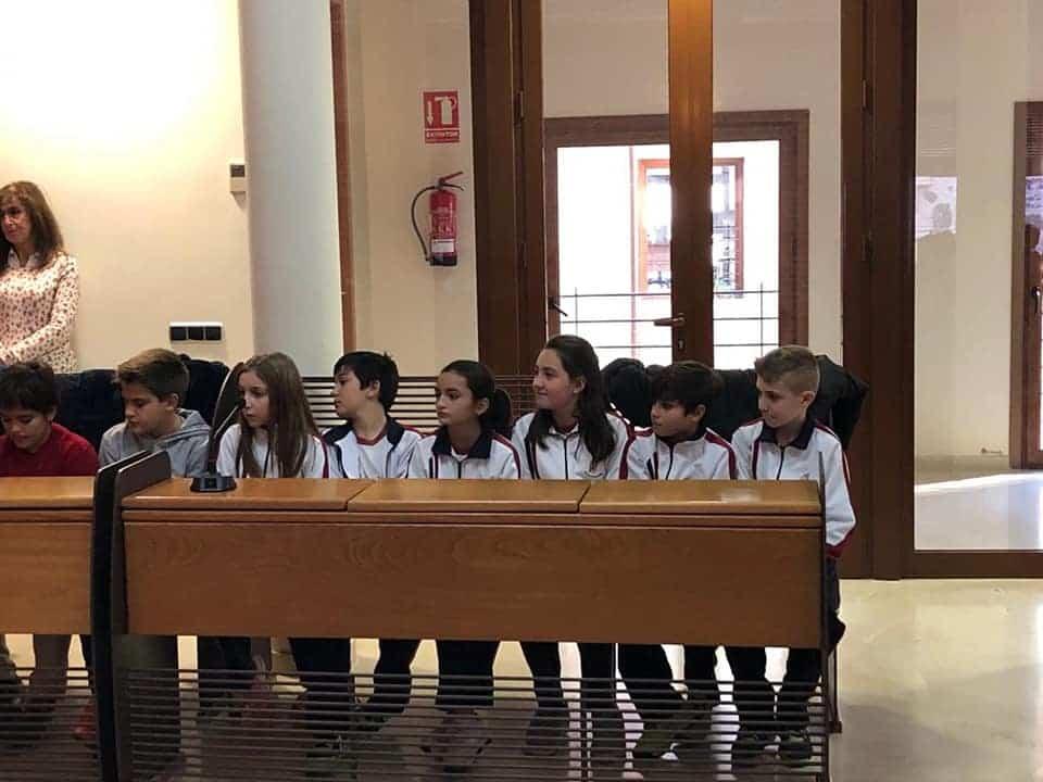 Alumnos del colegio Mercedarias de Herencia visitan el Ayuntamiento de Herencia 3