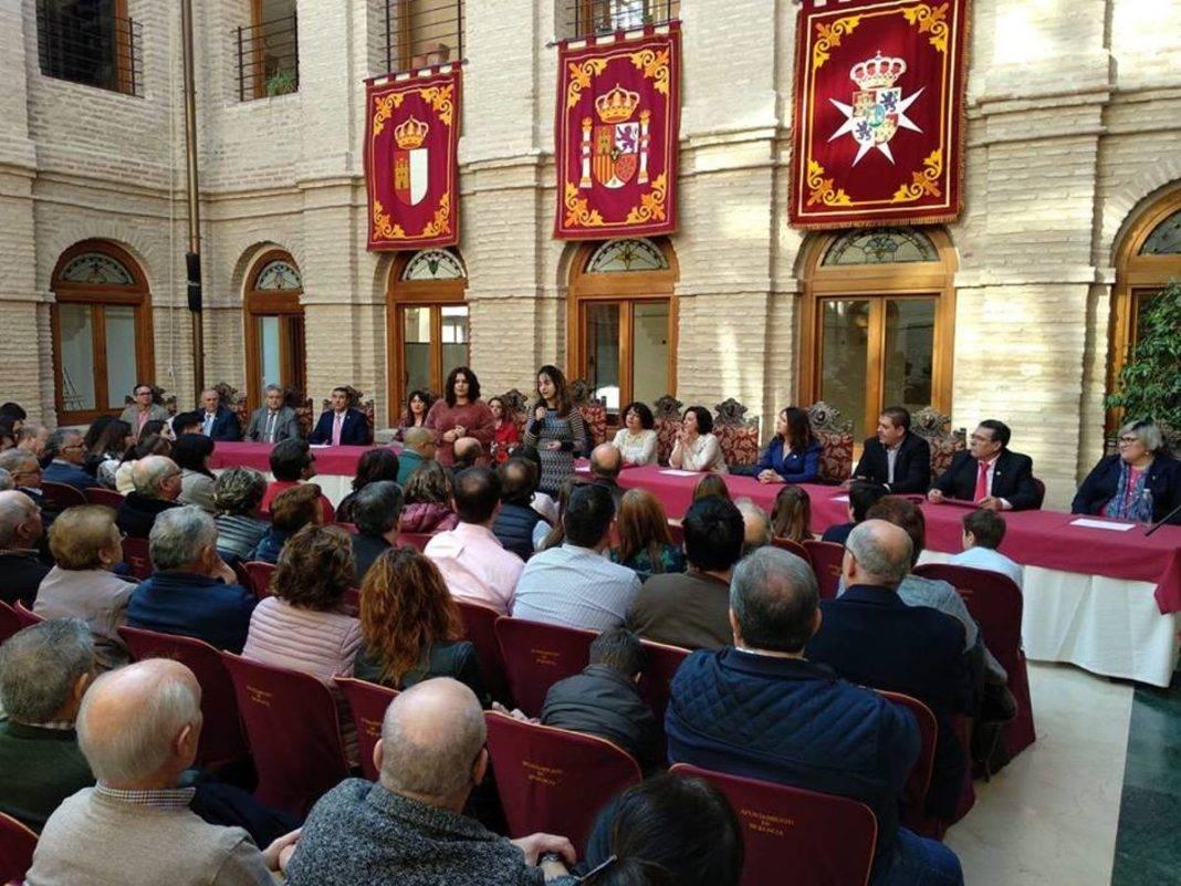 celebrando constitucion aniversario herencia 2 1068x801 - Celebrando 40 años de democracia en Herencia
