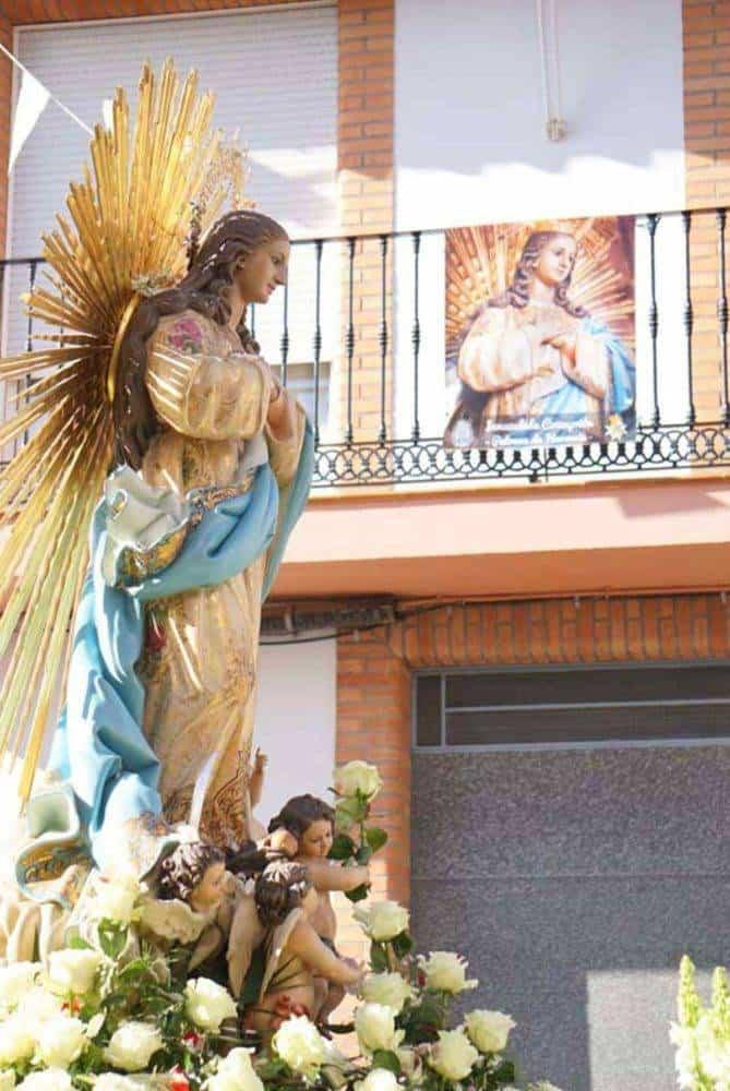 Fotografías de la procesión del día dedicado a María Inmaculada en Herencia 10