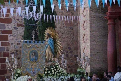 dia de inmaculada concepcion patrona herencia 3 489x327 - Fotografías de la procesión del día dedicado a María Inmaculada en Herencia