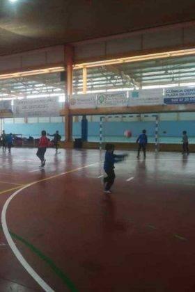 """jugando balonmano herencia navidad 12 280x420 - Navidades deportivas celebró """"Jugando al Balonmano"""""""